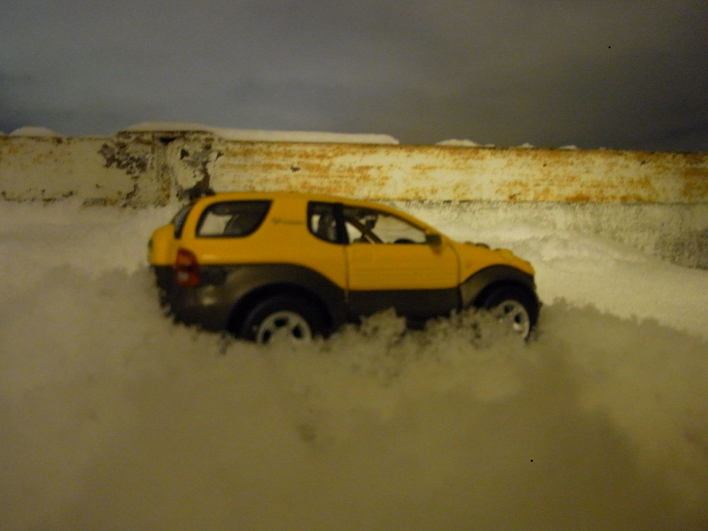 Isuzu VehiCROSS photo film